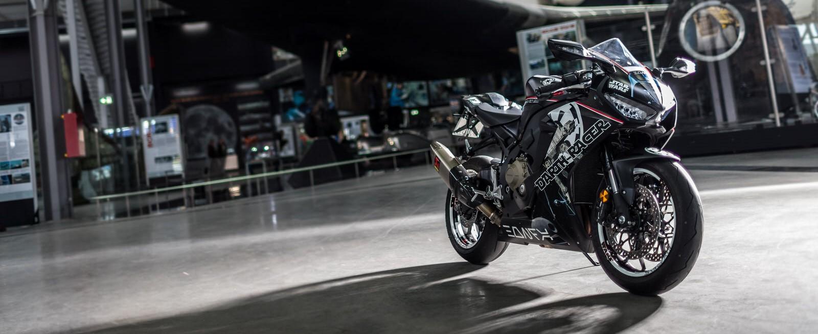Star-Wars-Motorrad-Honda-Fireblade-Torsten-Karpf